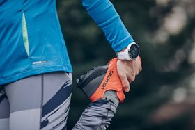 suunto-spartan-sport-white-closeup-action-01